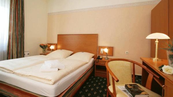 hotel residence bremen. Black Bedroom Furniture Sets. Home Design Ideas
